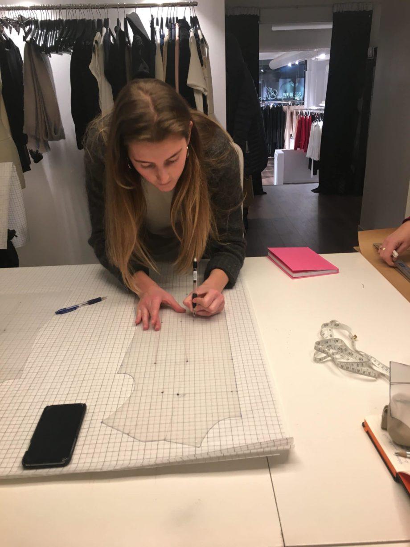 Kathrine Nørgård Kjolemønster 79 scaled - Lær å lage kjolemønster