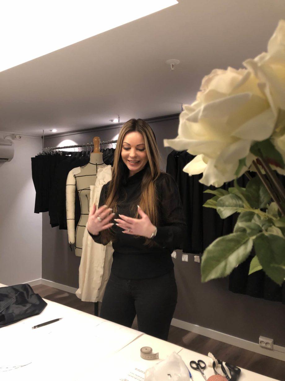 Kathrine Nørgård Skjørt og topp 26 scaled - Lær å lage skjørt og skjortebluse