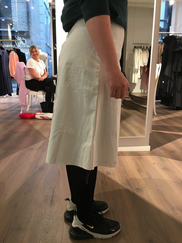 Kathrine Nørgård Skjørt og topp 34 scaled - Lær å lage skjørt og skjortebluse