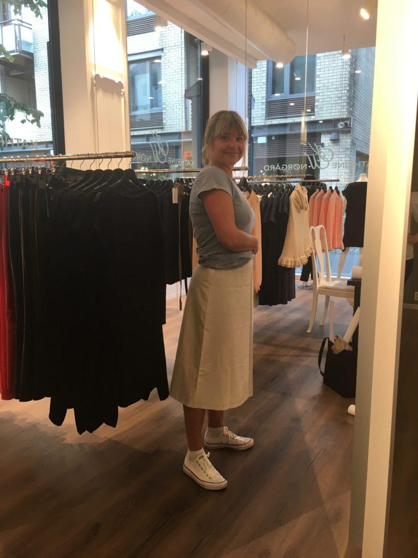 Kathrine Nørgård Skjørt og topp 41 scaled - Lær å lage skjørt og skjortebluse