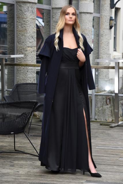 Kaape Keira i ull modellbilde 2 - Keira kåpe i ull