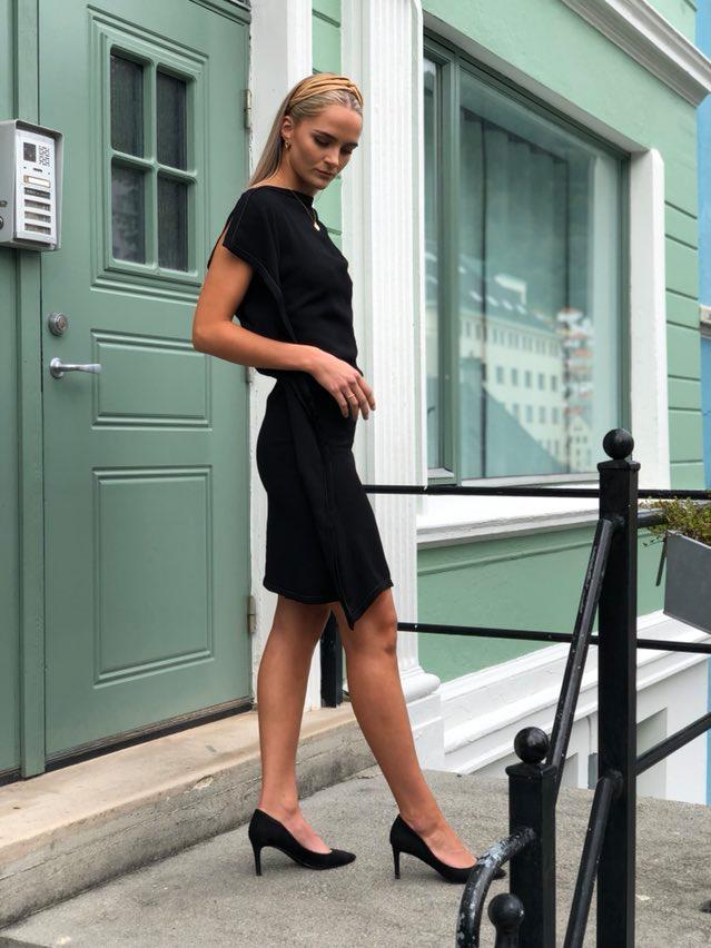 Michelle kjole svart 2 6 - Michelle kjole