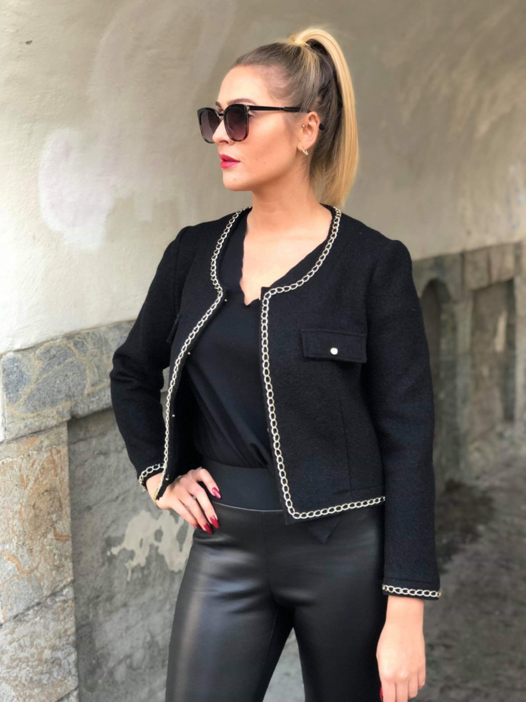 Sophia jakke sort 2 scaled - Sophia jakke